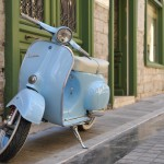 The_Blue_Vespa_by_Tain0s